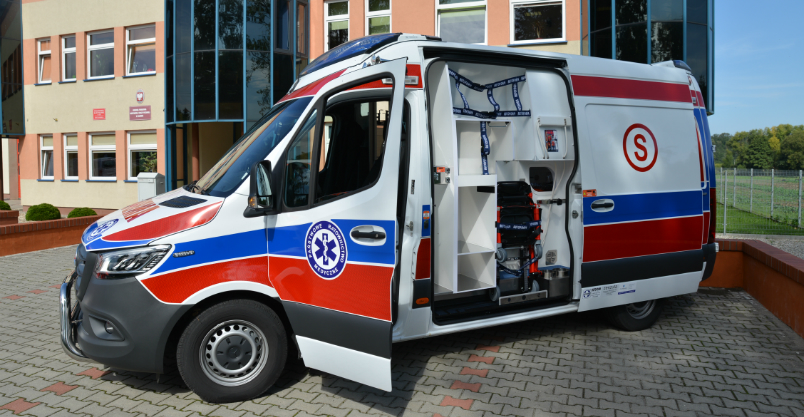 Złotoryjanom pospieszy na ratunek nowy ambulans (FOTO)