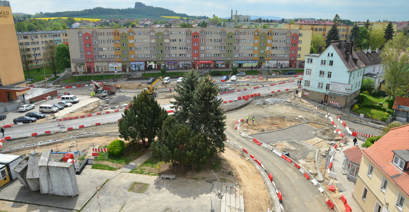 Budowa ronda. Od betonu do granitu (FOTO)